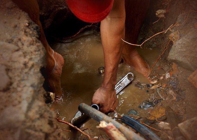 Canberra plumber fixing leaks